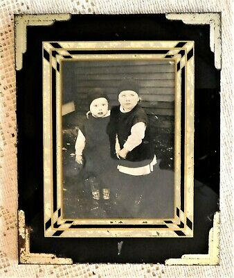 ANTIQUE EARLY 20th CENTURY ART DECO REVERSED PAINT FRAME W/ PHOTO OF CHILDREN