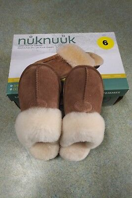 Nuknuuk Ladies Leather Slippers with Sheepskin Lining, size 7 Chestnut