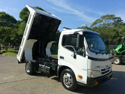2011 Hino 300 614 Automatic Car Licence White 6sp A Tipper