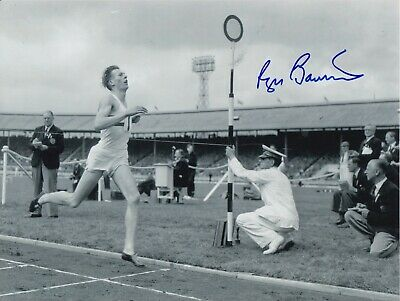 Roger Bannister Hand Signed 10x8 Photo - 4 Minute Mile Olympic Autograph.