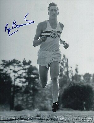 Roger Bannister Hand Signed 10x8 Photo - 4 Minute Mile Olympic Autograph 1.