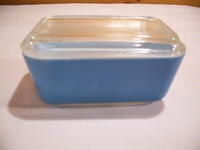 PYREX Blue Primary Glass with 1.5 pint Refrigerator Dish/Lid  502 B