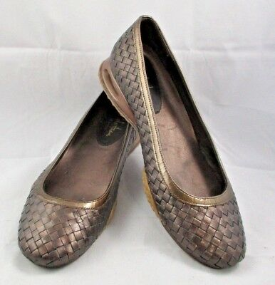5ae78860cf8 Women s COLE HAAN Bronze Leather Weave AIR BRIA Ballet SIZE 7-1 2 Med