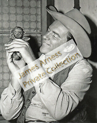 James Arness Gunsmoke Marshal Dillon  Rare Candid  8 x 10  B/W Photo