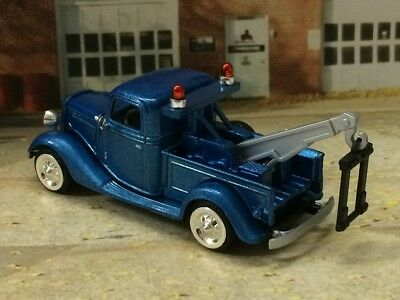 Vintage Motoring 1935 35 Ford Tow Truck 1/64 Scale Limited Edition A61