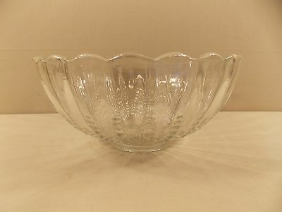 "Anchor Hocking ""Oyster & Pearl- Clear"" Bowl 9 3/4"""