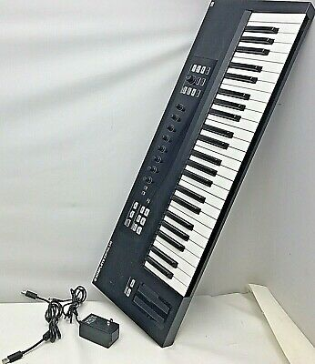 Native Instruments Komplete Kontrol S49 Keyboard Synthesizer