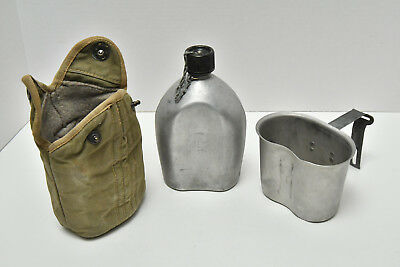 WWII US Army Canteen 1945 in pouch
