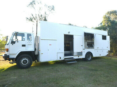 FOOD Truck.Functions..5 Star MOBILE Kitchen & Equipmt Relaible Truck EX CON Extr