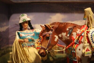 NIB BREYER INDIAN PONY AND LEOTIE Deluxe Collectors Set Traditional Doll Horse