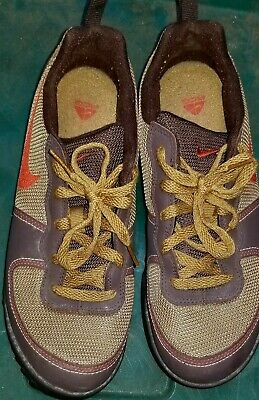 7ce7f309ef Nike ACG Brown Running Shoes Model 317542-262 Size 9 2009 Perfect Condition