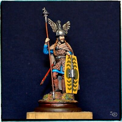 Celtic Chieftain, ancient warrior, 1/32 figurine, Time Machine Miniatures 54 mm