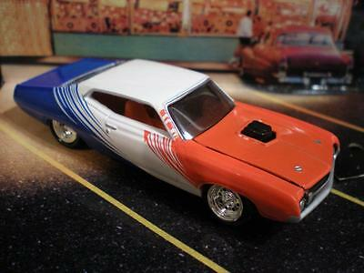 1970 70 Ford Torino V-8 Muscle Car Model 1/64 Limited Edition I20
