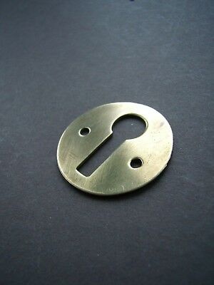 "Vintage / antique polished brass round keyhole escutcheon 1 1/4"" diameter [PB27]"