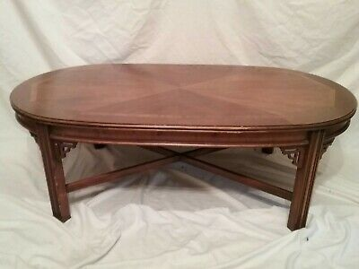 Beautiful Vtg LANE Mahogany Walnut Oval Coffee Table Chinese Chippendale Asian