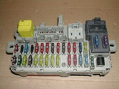 Rover 45,MG ZS,1999 on,Fuse Box,YQE103680