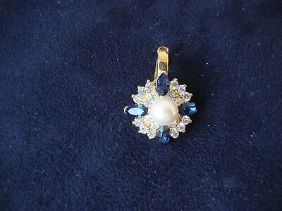 Vintage Fashion Jewelry Faux Pearl Dark Blue & Clear Accents Gold Tone Pendant