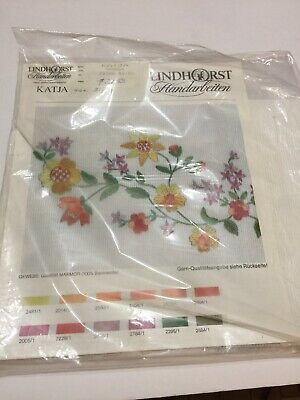 """Lindhorst Tablecloth Embroidery Flowers 31.5"""" X 31.5"""" Cotton Germany Stamped"""
