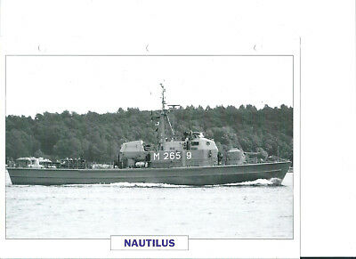"Collection photos/Le bâtiment dragueur-chasseur de mines "" Nautilus""/RFA1965"