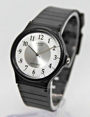 sports shoes 1dbfe 9f7d3 VINTAGE CASIO 1330 MO-24 Water Resist Watch, Men's/Women's Black Silicone  Band
