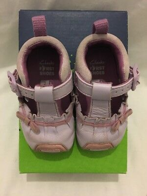 Clarks Baby Girls  First Shoes Size UK 2 / EUR 17.5