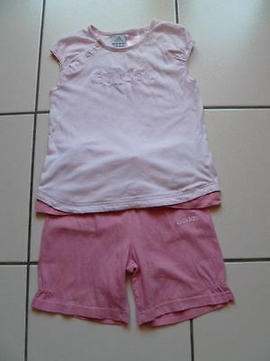 Ensemble rose tee shirt + short assorti Adidas taille 4 ans  -