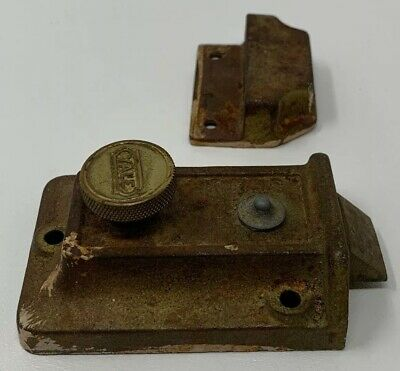 Vintage Yale Door Latch Antique Original Classic Works 19-640