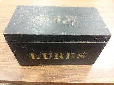 1860 Fishing Box Lures Snipe Hinged Box New England East Coast