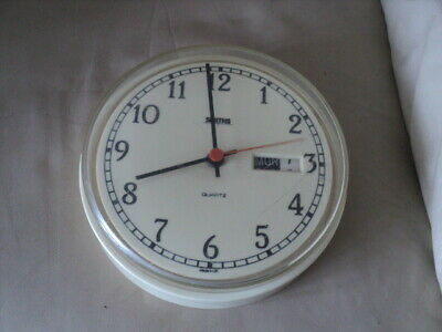 Vintage Smith'S Round Quartz Wall Clock With Day & Date Working Made In Uk