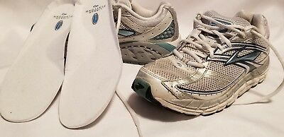 5b6ccdd448412 Women s Brooks Addiction 10 Size 9.5 Running Shoes Athletic Sneakers White  Blue