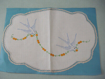 Vintage retro Bluebirds embroidered doiley with crochet edging