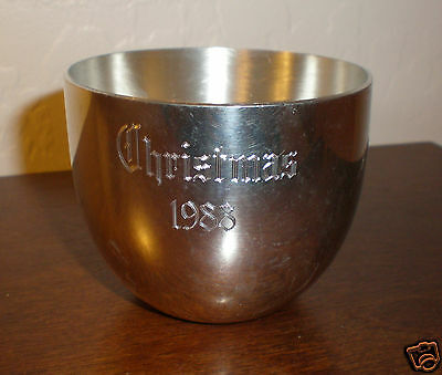 """Kirk Stieff """"1988 Christmas""""  Monticello Pewter Cup - P50 - EUC"""