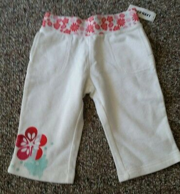 NWT Old Navy Girls White Capris with Floral designs on waistband size 3T
