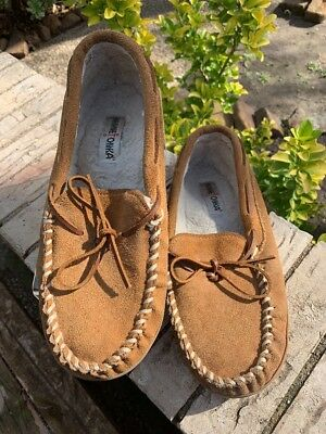 a16855bd734 MINNE TONKA Men s Pile Lined Hardsole Brown Tan Suede MOCASSINS Slippers  Size 11