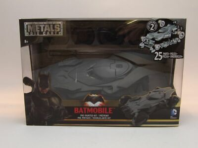 "Batmobile ""Batman vs Superman"" matt grau, Metallbausatz, Modellauto 1:24 / Jada"