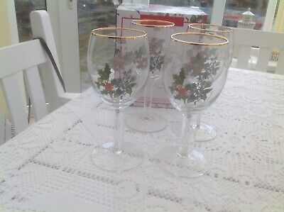 Portmeirion The Holly and the Ivy  Set Of 4 Wine Glasses 13oz