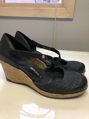 3fc368f6a0d4 WOMEN S TEVA NORTHWATER Mary Jane Sandals Black Gray Size 6 -  30.00 ...
