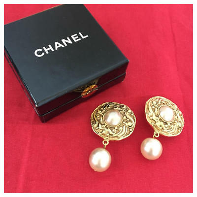 a19fc2af04d Authentic CHANEL Vintage Earring Clip Gold Pearl Drop Logo CC Coco USED  HCE427