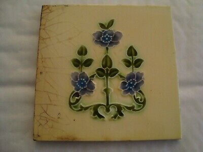 Pretty floral Edward tile 19/85