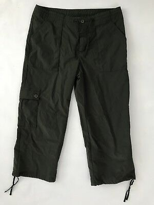 Patagonia Women's Green Capri Hiking Cropped Outdoor Pants - Size 6