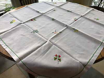 Vintage White Linen Floral Embroidered Tablecloth and 6 Matching Napkins