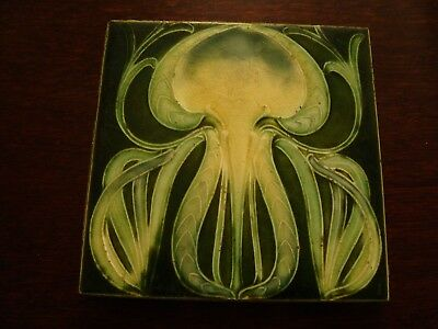 Striking organic Art Nouveau design Majolica Floral Antique 6 Inch tile  19/64