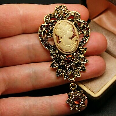 VINTAGE STYLE JEWELLERY Gorgeous Gold Tone Rhinestone Cameo Dropper BROOCH Pin