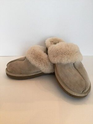 UGG Australia Girls Slippers Size 1 Color Off-White Preowned