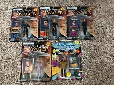 Lot of 4 Star Trek Voyager Figures 1995 Playmates, 1 Star Trek Next G Unopened