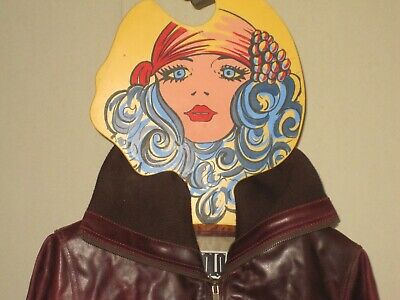 BG Milano 60s Mod Boutique Fashion Model Face Display Plastic Clothes Hanger