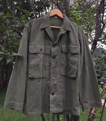 Vintage 40s WWII US ARMY HBT Herringbone Uniform 13 Star Button Jacket. Size 36R