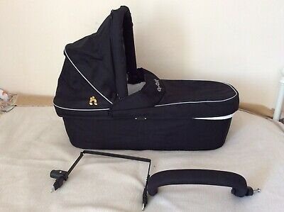 Out n about Carrycot And Adapter For Double Nipper With Raincover