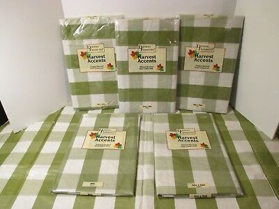 Christmas Holiday Green White Plaid Vinyl & Flannel Backed Easy Wipe Tablecloth
