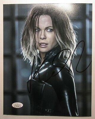 *SELENE* Kate Beckinsale Signed Underworld 8x10 Photo EXACT Proof JSA COA